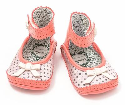 b2ap3_thumbnail_Finds_TendreDeal_1stbabyshoes_bleuette_5.jpg