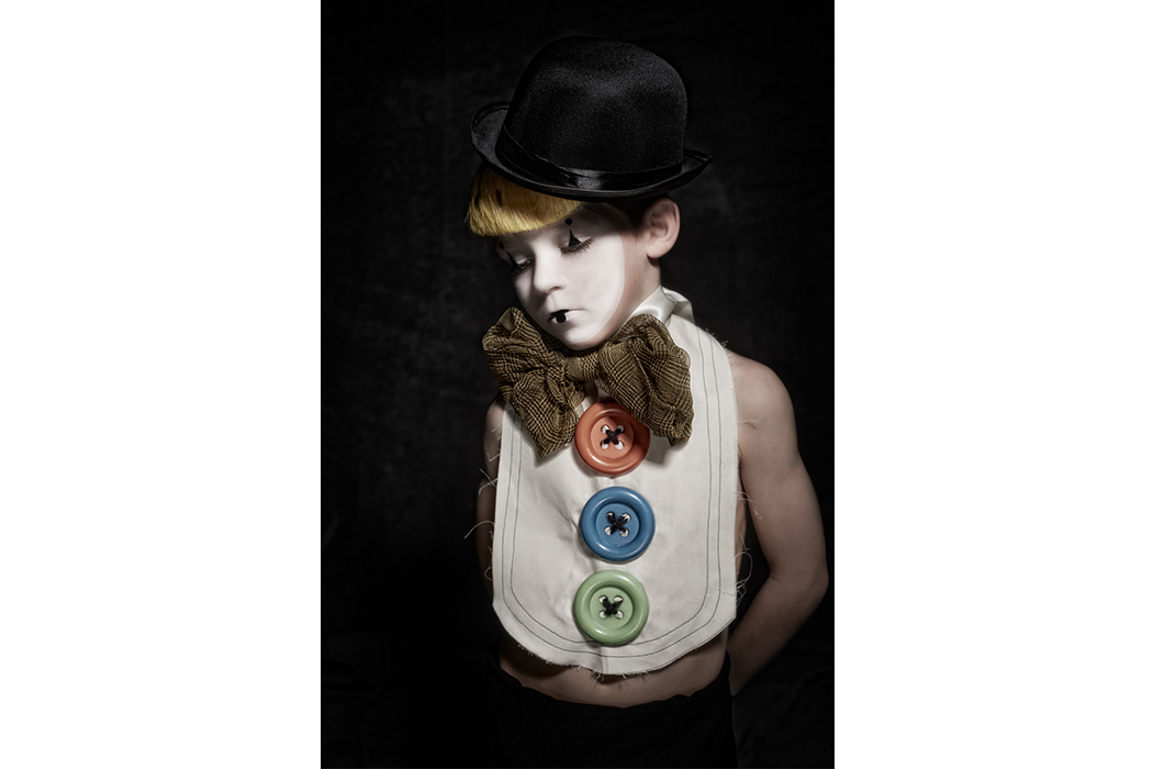 The Circus by Olivier Ribardiere an editorial first seen on Hooligans Magazine Blog #circus #halloween #olivierribardiere #kidsfashion #kidsfashionblogger #costumes #dressup #hooligansmagazine #fashionblog #kidsphotography #kidsportraits