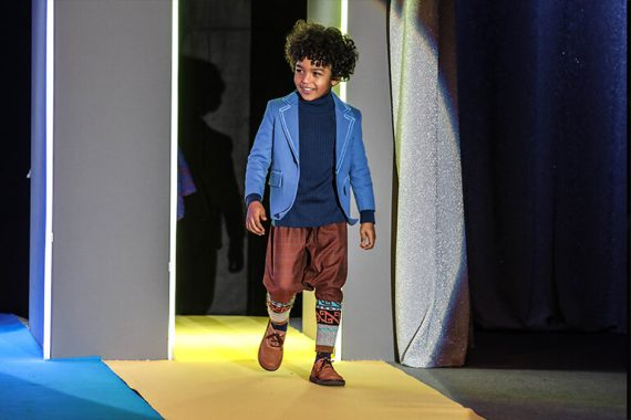 Pitti Bimbo 86 - KidzFizz Colour Carpet Runway Show #pittibimbo #pb86 #pittiimmagine #desginerkidsfashion #designerkids #kidzfizz #kidsfashion #juniorstyle #juniorfashion #runwayshow #catwalk #kidsfashionblog #kidsfashionblogger #unlabel #mruky #igloindi #andorine #lemu #ohmykidswear
