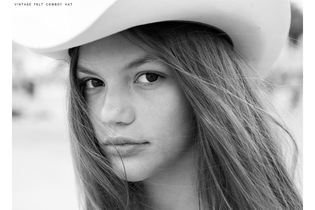 Editorial: Lost In Venice, CA By Ellistun Lutz #ellistunlutz #kidsfashioneditorial #teeneditorial #cassidyeverler #teenmodel #missoni #saintlaurent