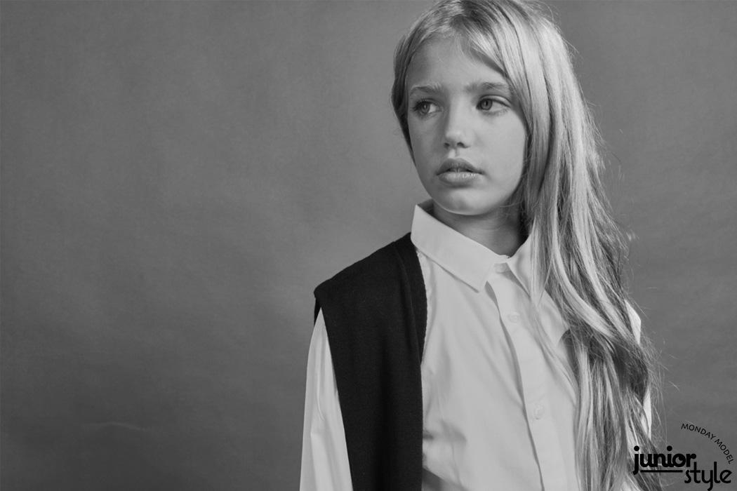 Monday Model Feature: Martina Moya